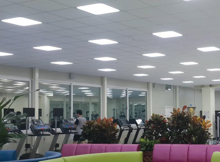 projecteur-BELA-eclairage-commerces-bureautiques