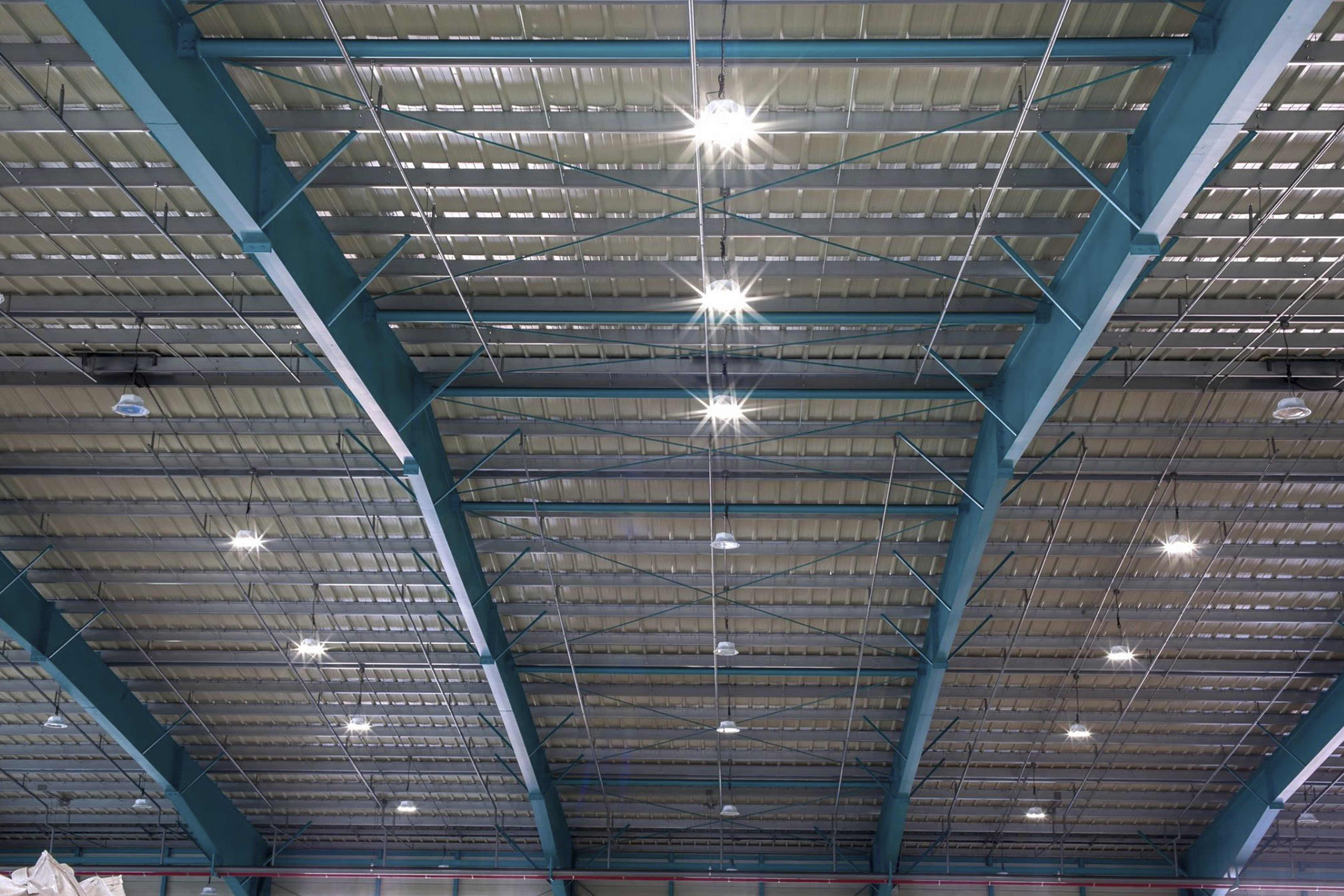 projecteur-sega-hybrid-eclairage-industriel