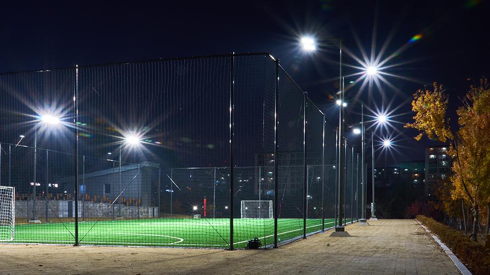 projecteur-roly-eclairage-sportif-et-grands-espace