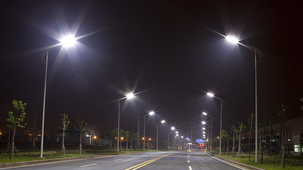 réverbères-napoli-eclairage-routiers-et-autoroutiers